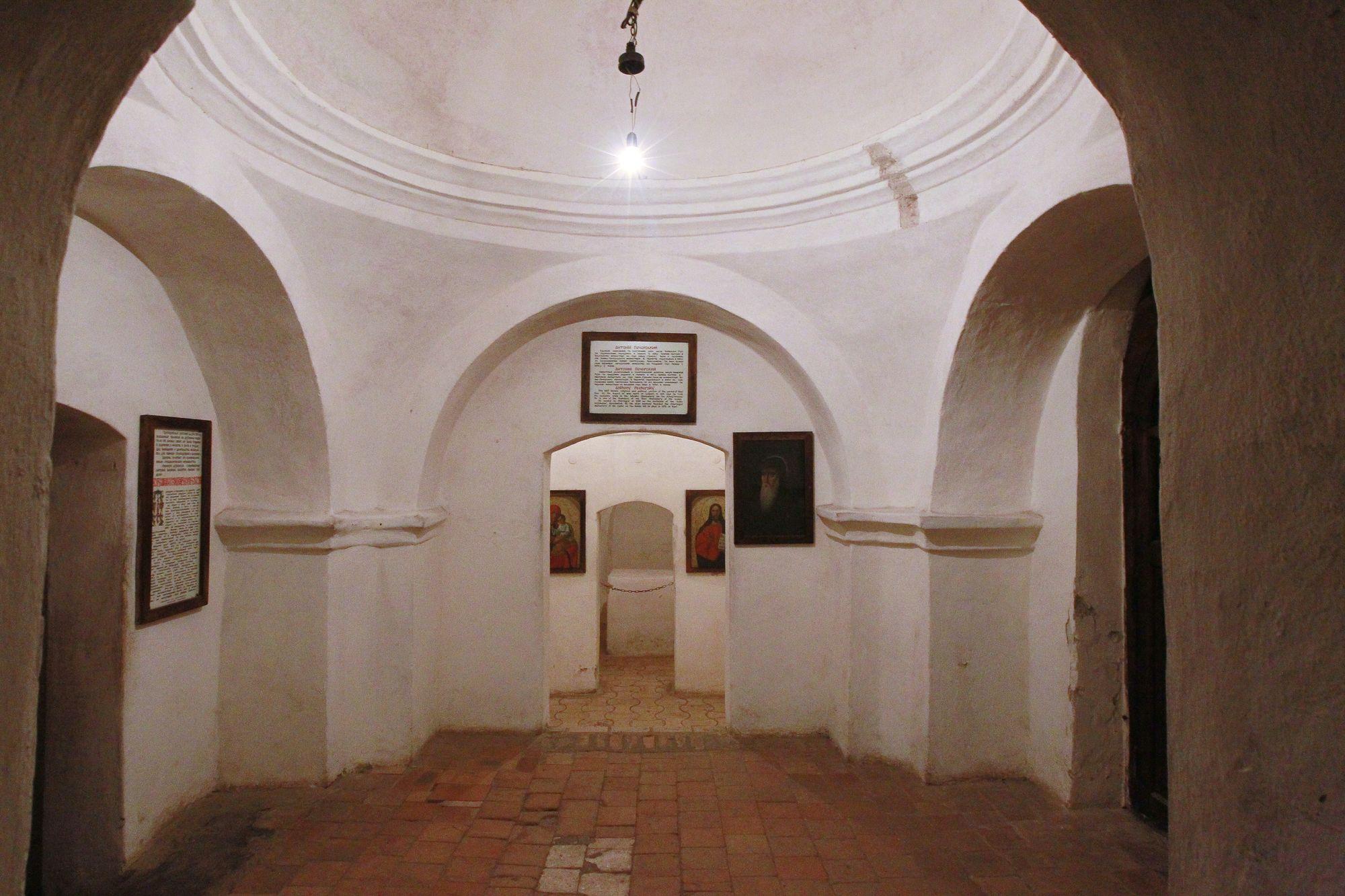 Антонієві печери: подорож у світ загадок (Фото)