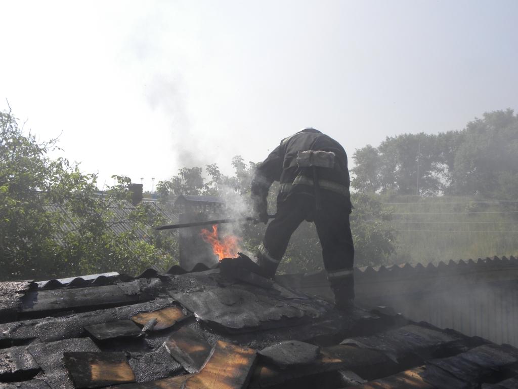 Вогнеборці врятували 90-річну жінку (Фото)