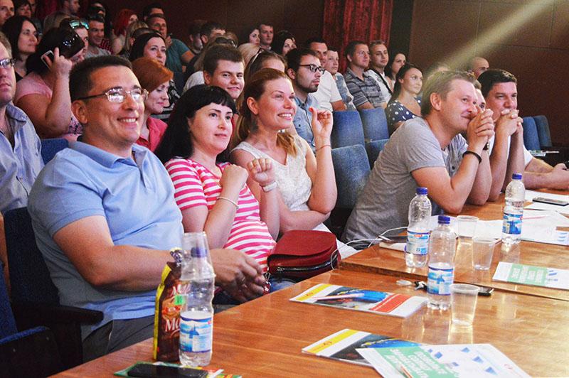 До Чернігова залетів смішний «Хрущ» (Фото)