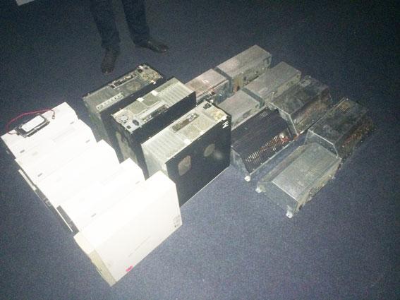 15 гральних автоматів «сховались» на Проспекті Перемоги (Фото)