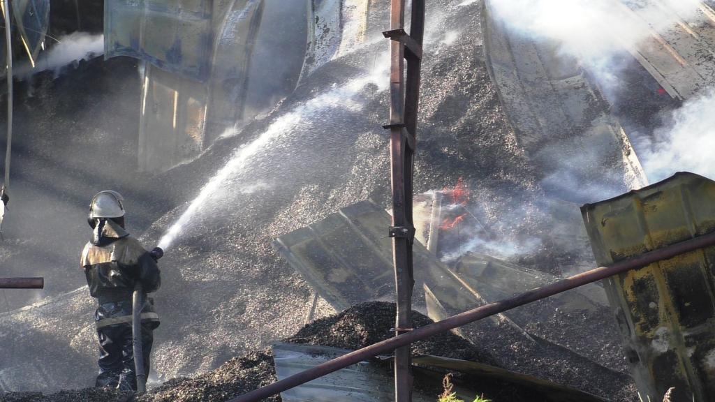 У Ніжині сталася пожежа на жирокомбінаті (Фото)