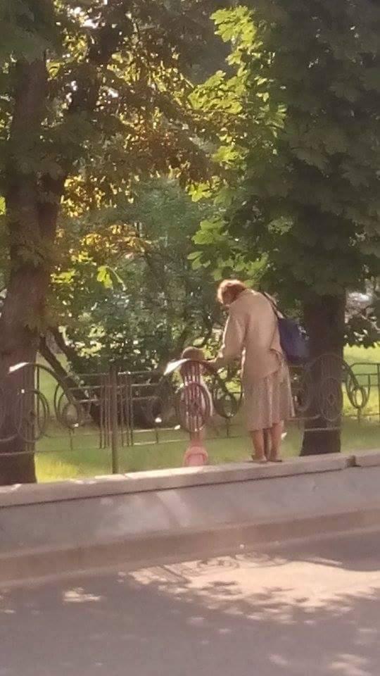 Неетичний епізод з родини Підвербних: чого навчить своє чадо горезвісна чернігівська мама (Фото)
