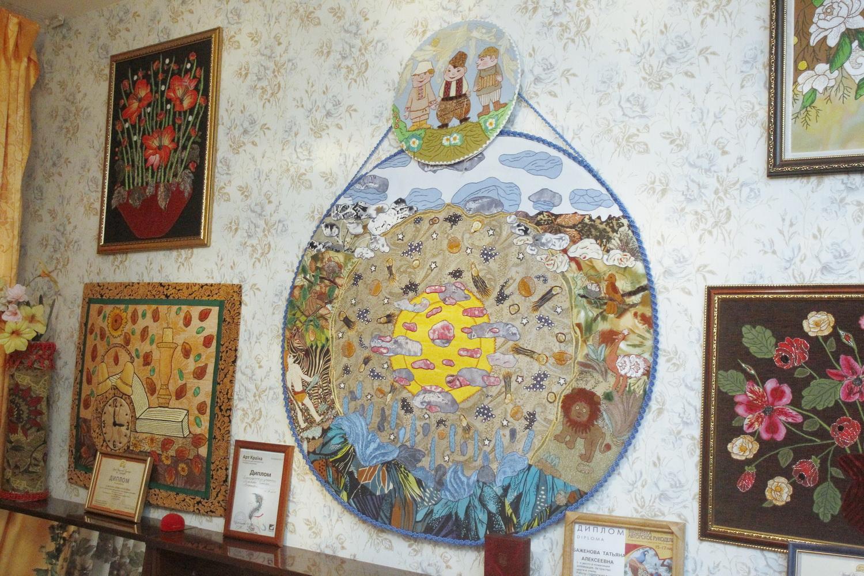 """""""Віршовані"""" картини демонструються у Чернігові (Фото)"""