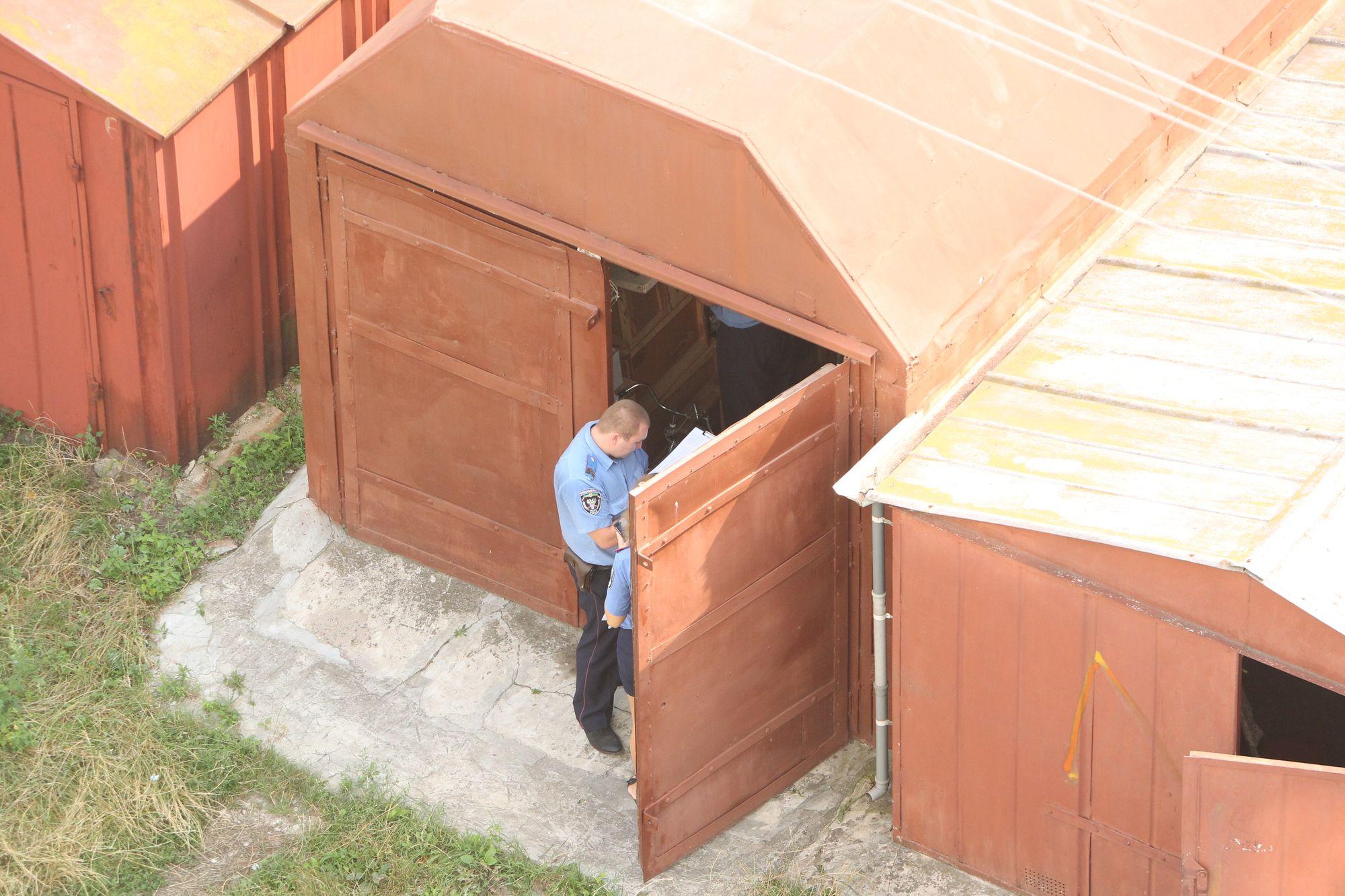 Крадіжка під носом: злодії поцупили перфоратор (Фото)