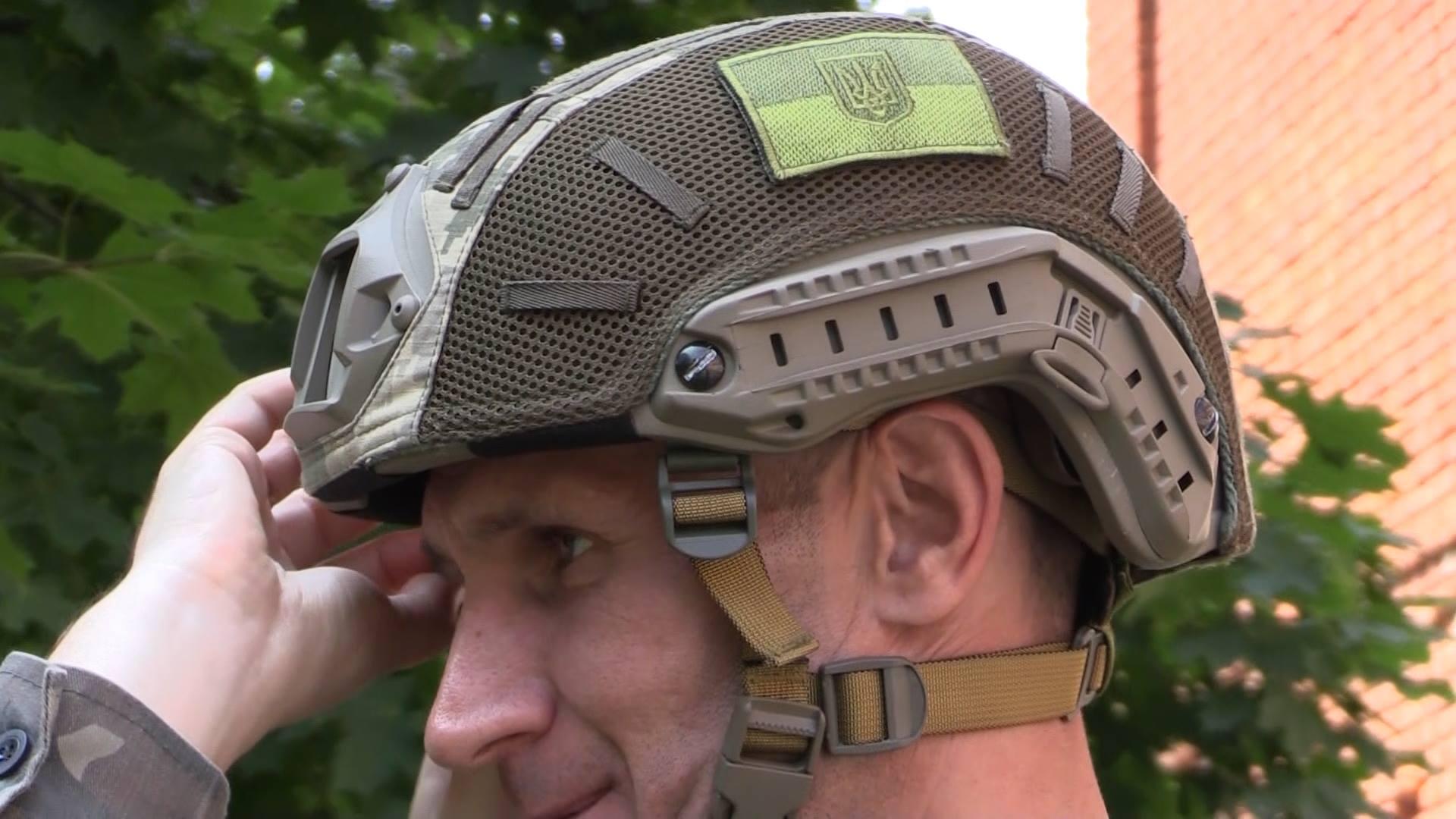 Перший український десантний шолом випробували чернігівські військові науковці (Фото)