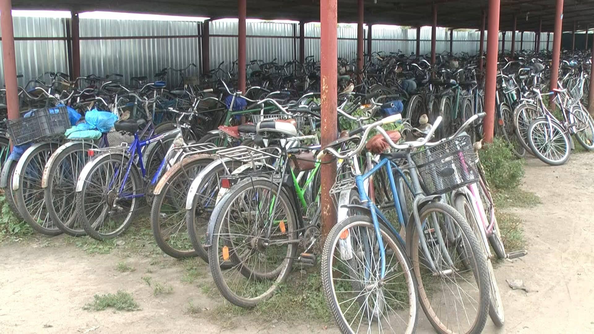 Найбільша стоянка велосипедів на Чернігівщині (Фото)