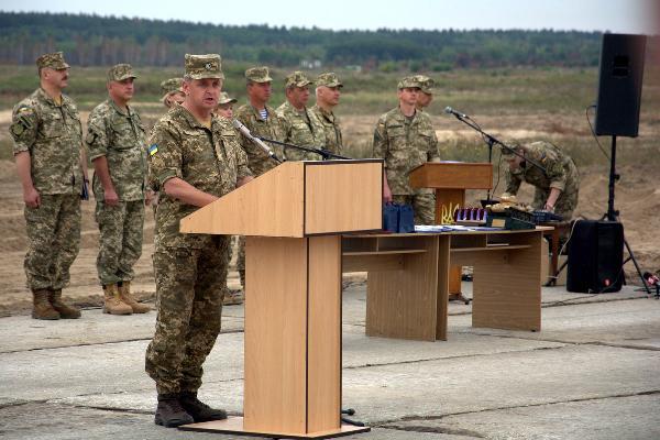 Свято міцної броні: на Гончарівському полігоні привітали танкістів (Фото)