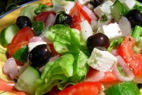 Grecheskij_salat_recept_s_foto[1]