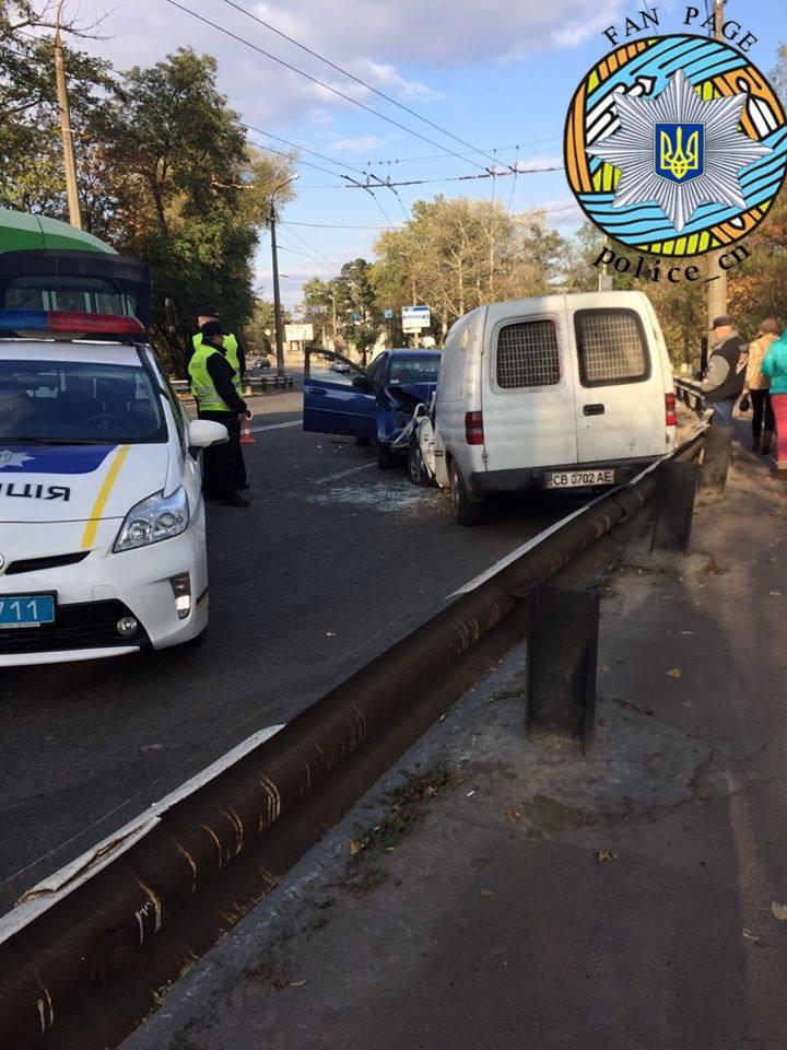 ДТП на Мазепи: не розминулись Chevrolet та Opel (Фото)