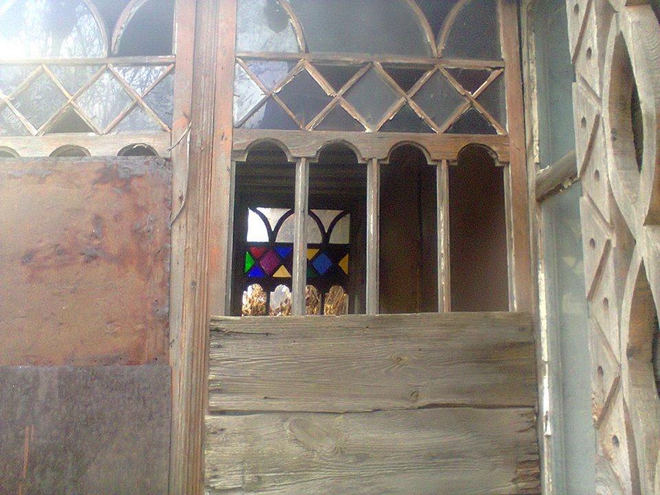У Чернігові занепадає 200-річний будинок (Фото)