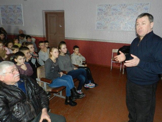 Жителі Марса та школярі з Іванівки подивилися кіно про життя на Марсі (Фото)
