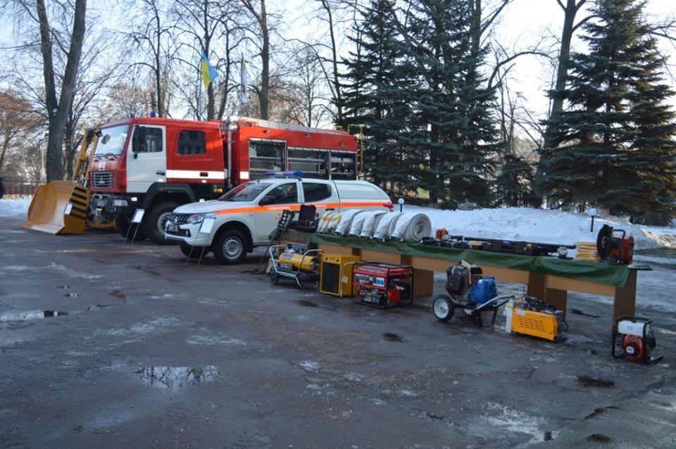 Маштабне оновлення: рятувальники отримали спецтехніку (Фото)