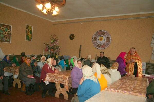 На Чернігівщині пенсіонерів підтримують гарячими обідами (Фото)