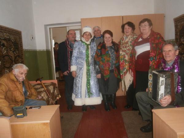 До чернігівських стареньких завітало новорічне свято (Фото)