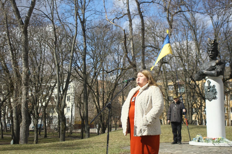«А за волю xоч умріте і вольності бороніте» – у Чернігові вшанували видатного гетьмана (Фото)