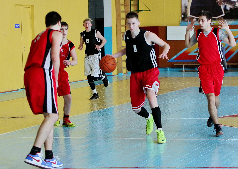 Живе баскетбол! (Фото)