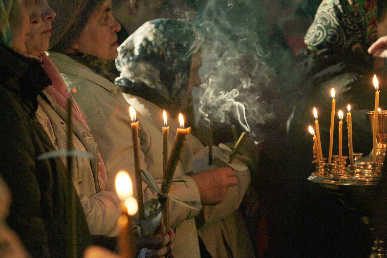 Чернігівці прийшли на службу у Чистий четвер (Фото)