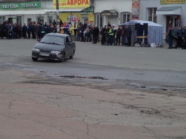Із вітерцем: до Новгорода-Сіверського з'їхалися гонщики