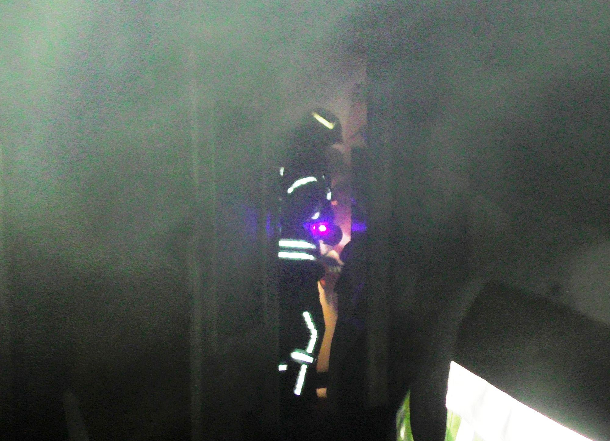 У ніч Христового Воскресіння горіла квартира на Льотній (Фото)