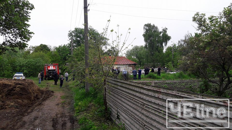 """У районі Півців розбився одномісний літак """"Cessna-172"""" (Фото) ОНОВЛЕНО"""