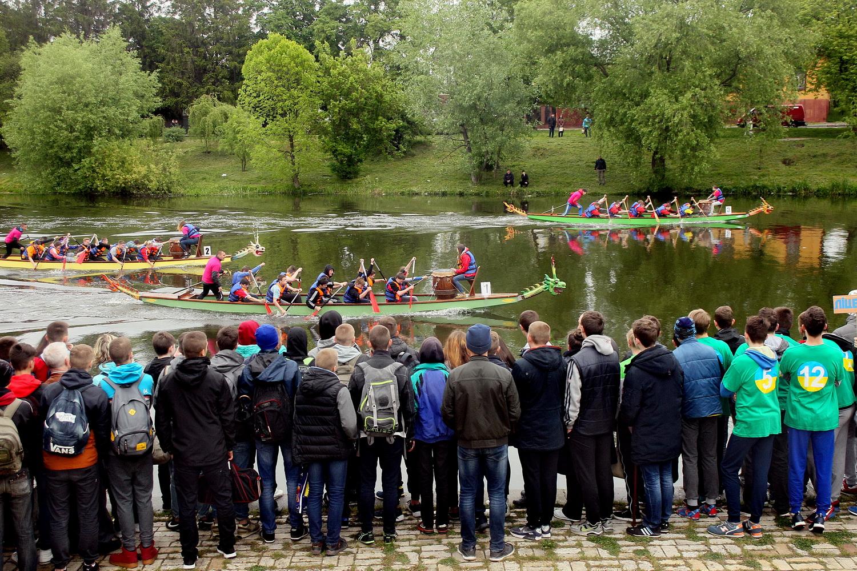 Чернігівські «Дракони»  заполонили річку Стрижень (Фото)