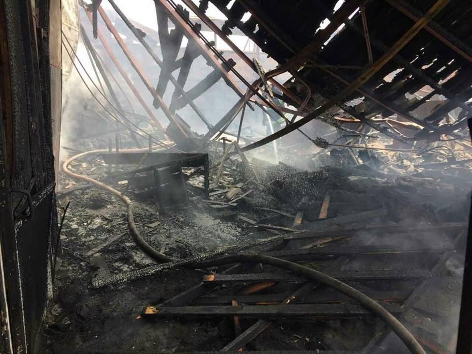 З'явилися фото пожежі на менському ринку (Фото)
