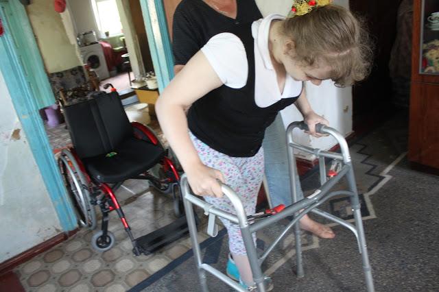 Найбільше за все Алінка хоче ходити своїми ніжками (Фото)