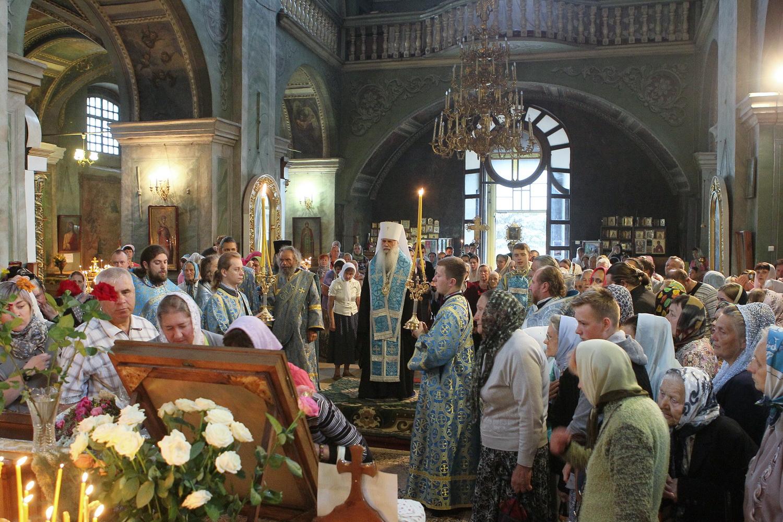 Чернігівці провели чудотворну ікону Іверської Божої Матері (Фото)
