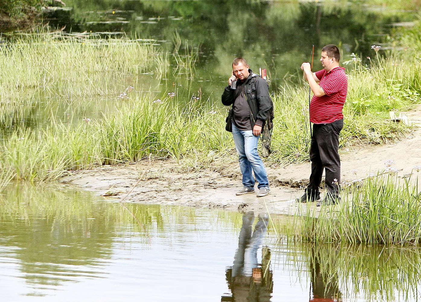 Ловись, рибко, велика і маленька: День рибалки на Десні (Фоторепортаж)