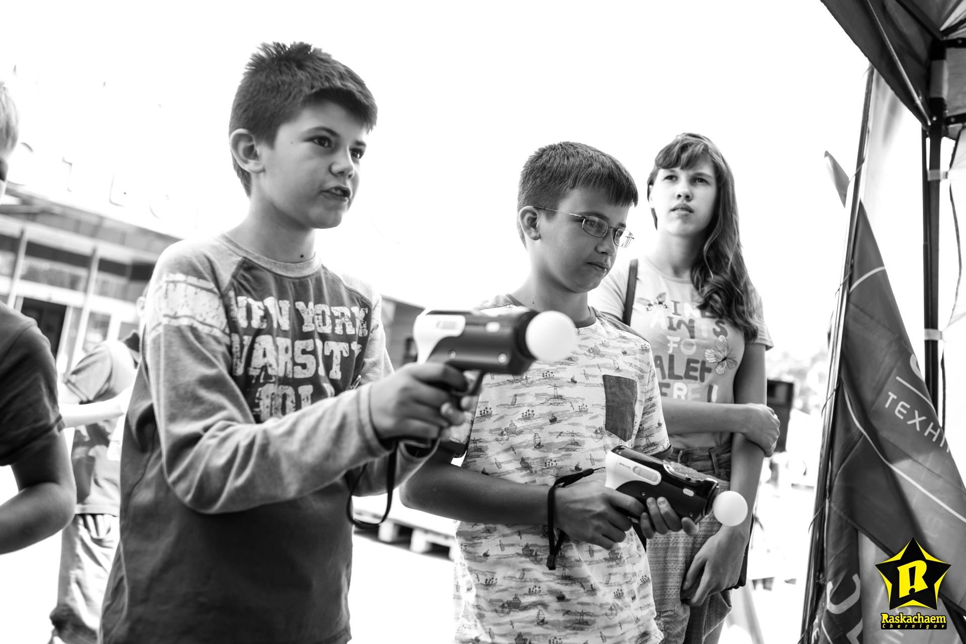 Віртуальні війни, перегони на гіроскутерах та дитяча кулінарія: у Чернігові пройшов Фестиваль техніки