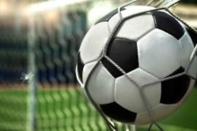 86-futbolnyj-myach-vorota-gol-oboi-sport-1366x768