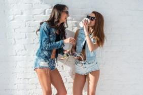 depositphotos_70567761-stock-photo-two-pretty-girls-wearing-sunglasses
