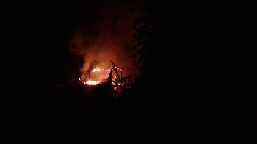 У господарстві пенсіонерки вщент згорів сарай (Фото)