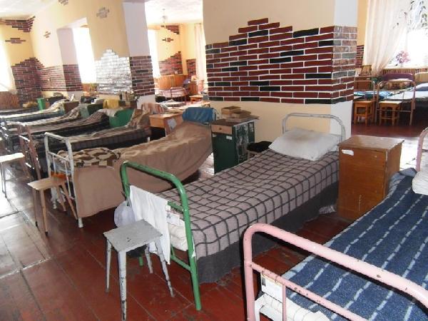 У Менській виправній колонії показали умови проживання в'язнів (Фото)