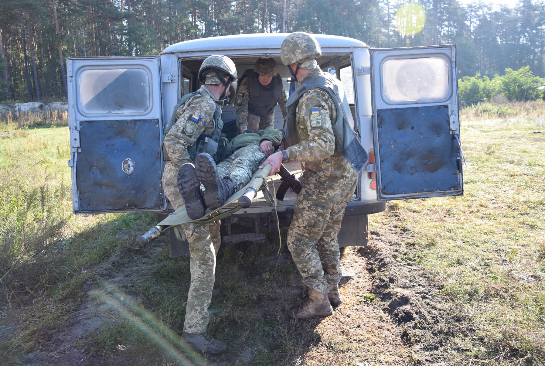 На Чернігівщині санітарні інструктори змагалися за звання кращого (Фото)