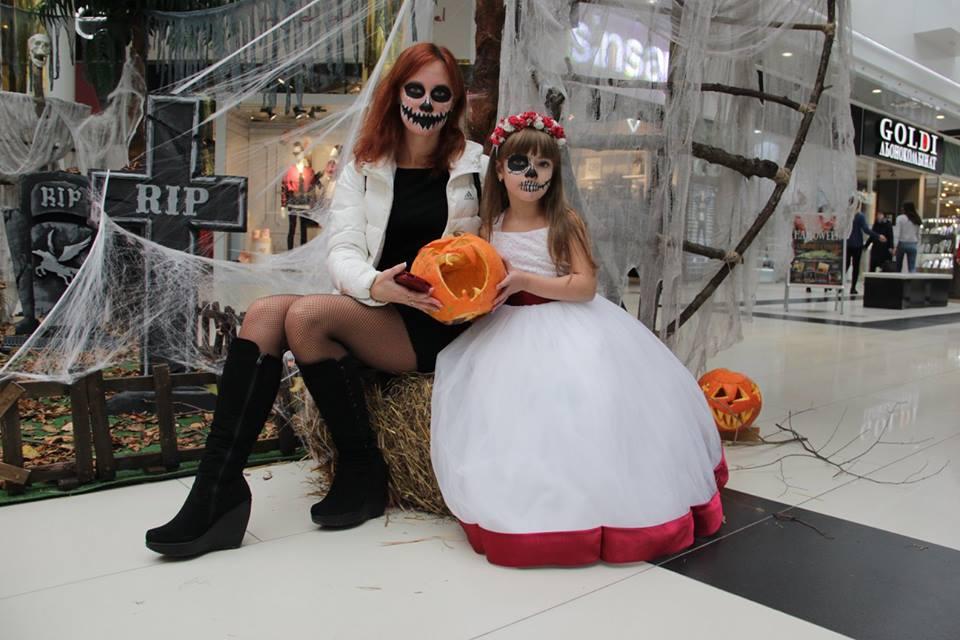 У Чернігові почали святкувати Хелловін (Фото)