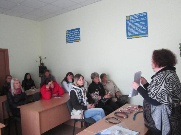 Чернігівська майстриня провела майстер-клас для безробітних