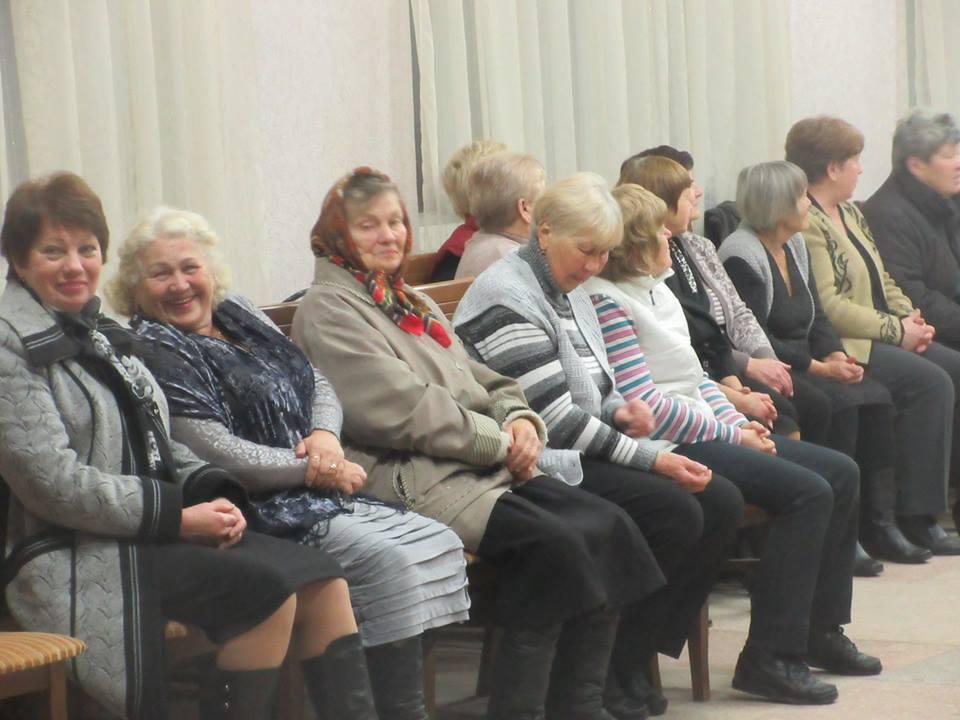 У Корюківці відгриміла «дискотека для бабусь» (Фото)