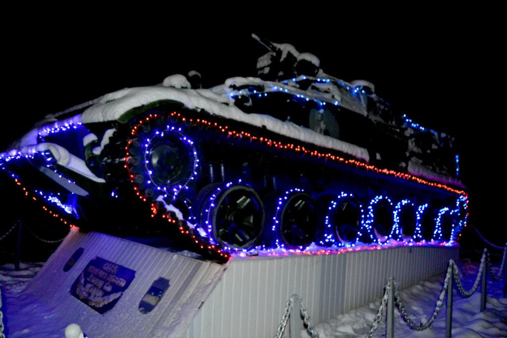 У Ніжині військова частина підготувалася до новорічних свят (Фотофакт)