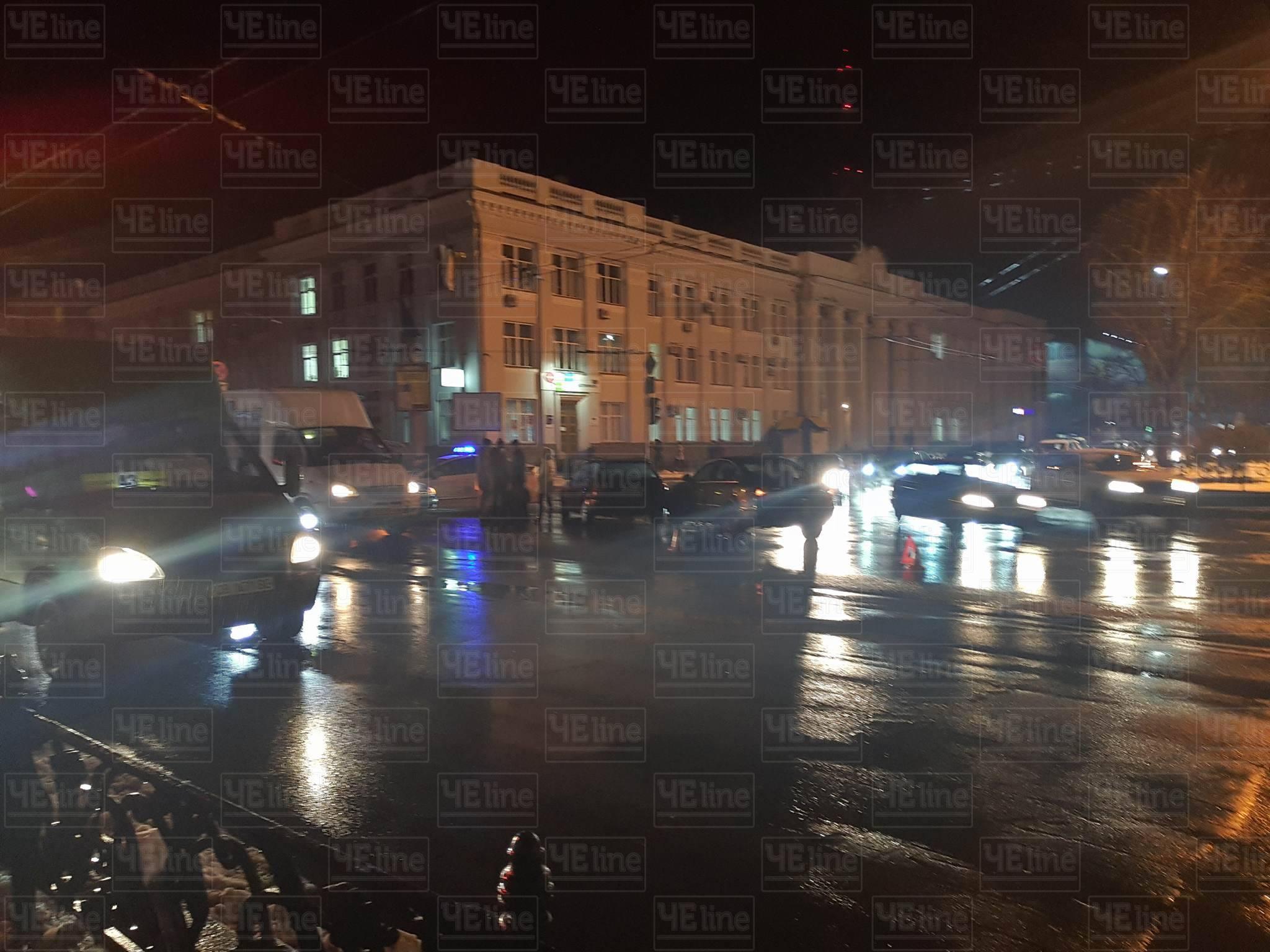 У центрі Чернігова ДТП (Фото)