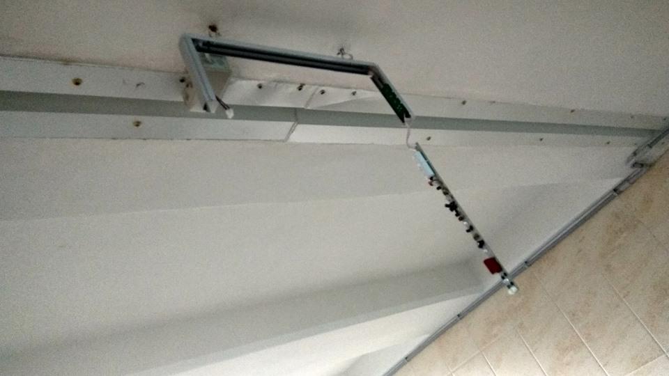 """""""Карма"""" у підземці: вандали знову розтрощили таблички (Фотофакт)"""