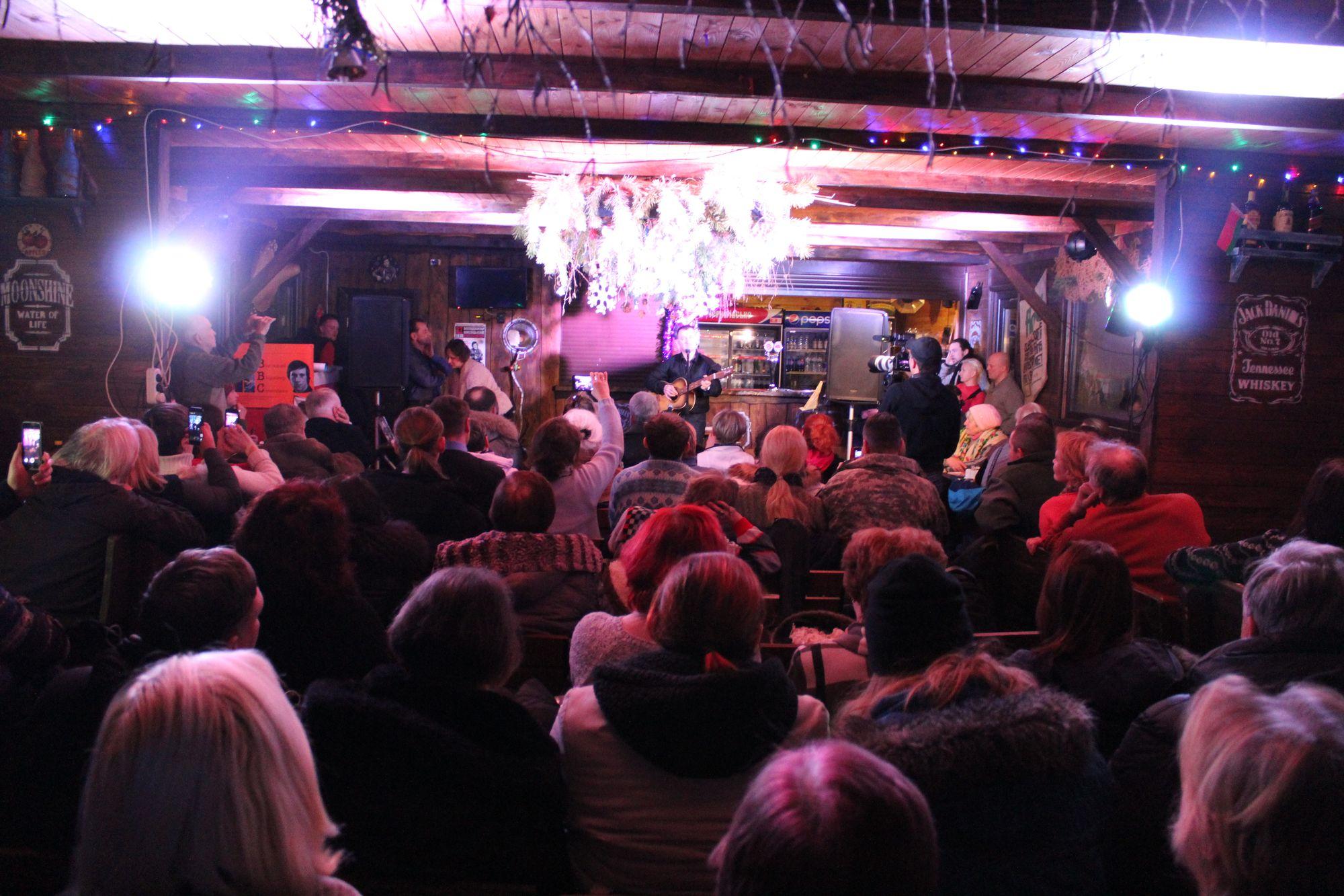 На Голубих озерах започаткували фестиваль поціновувачів творчості Висоцького (Фото)