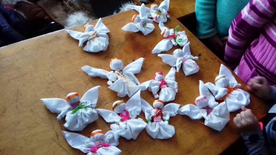 Іванівських дітей вчать робити ангеликів (Фото)