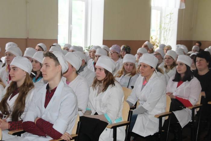 """У Ніжинському медичному коледжі відбувся """"Студентський олімп"""" (Фото)"""