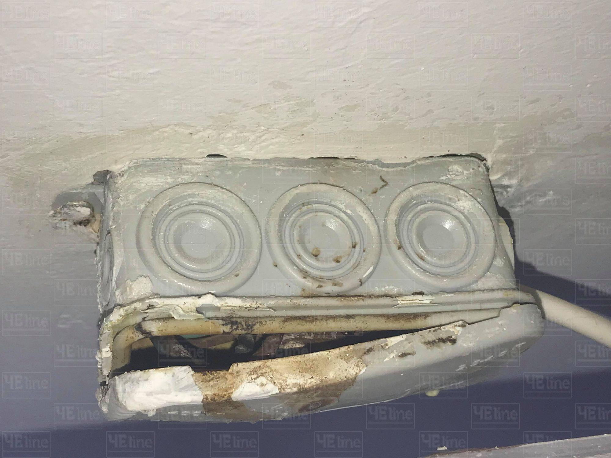 Горе-підземка знову вражає (Фотофакт)