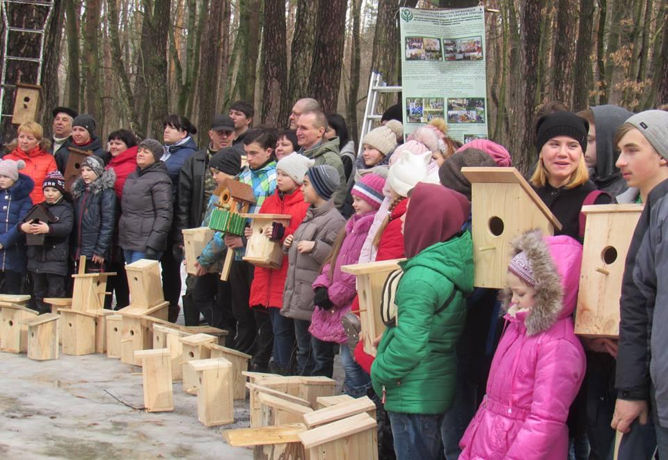 У Чернігові пташкам подарували 100 будиночків (Фото)