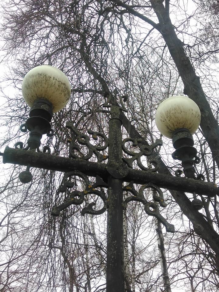 У Чернігові зацвіли ліхтарі (Фото)