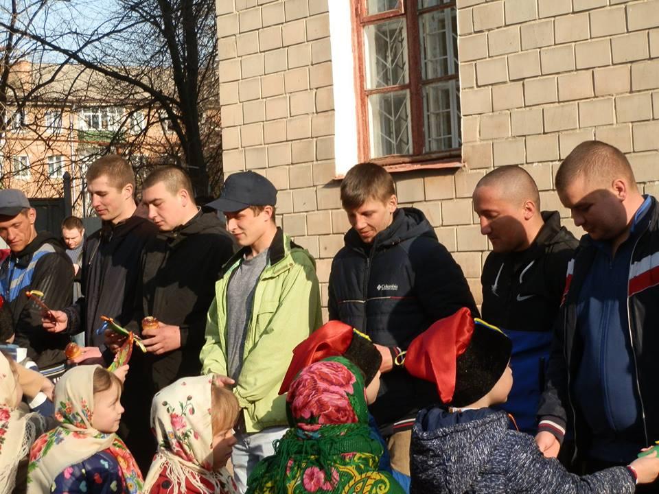 У Ніжині провели захисників до Збройних сил України (Фото)