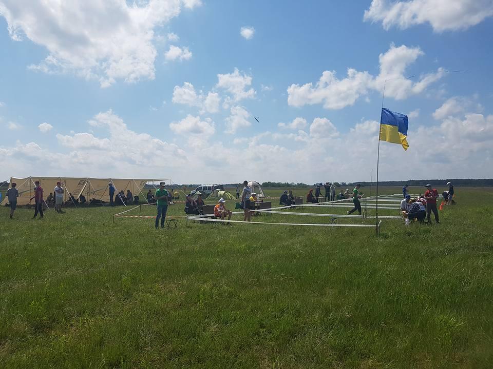 Поблизу Чернігова проходять змагання ракетомоделістів (Фото)