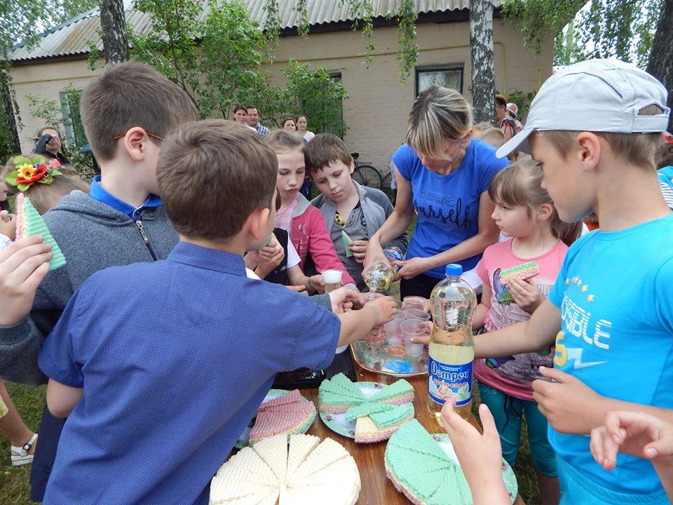 Солодкий смак канікул: для школярів із Куликівки влаштували свято (Фото)